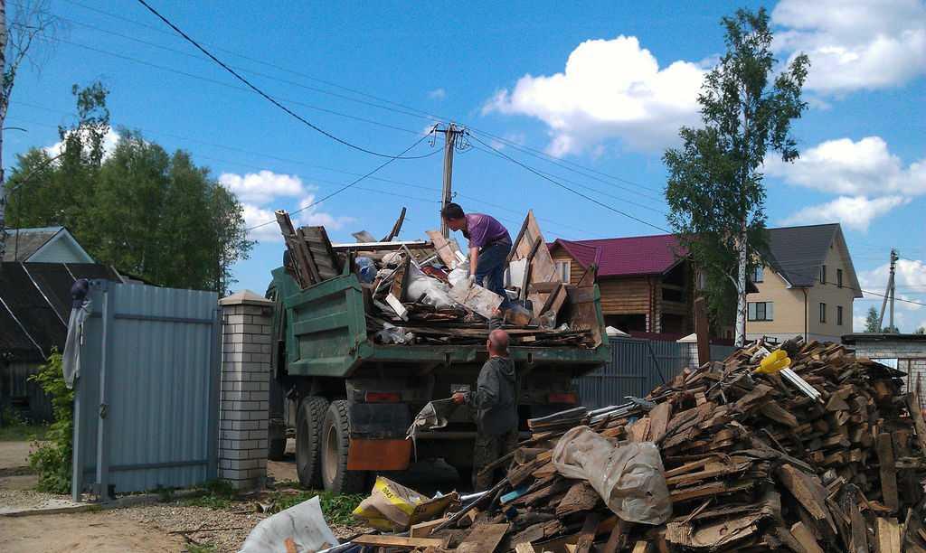 Вывоз строительного мусора с дач и садовых участков