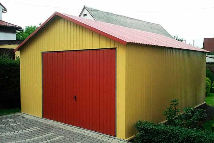 Покрытие крыши гаража профнастилом