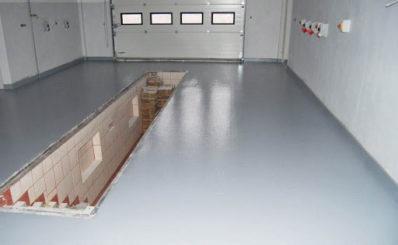 Заливка стяжки пола в гараже